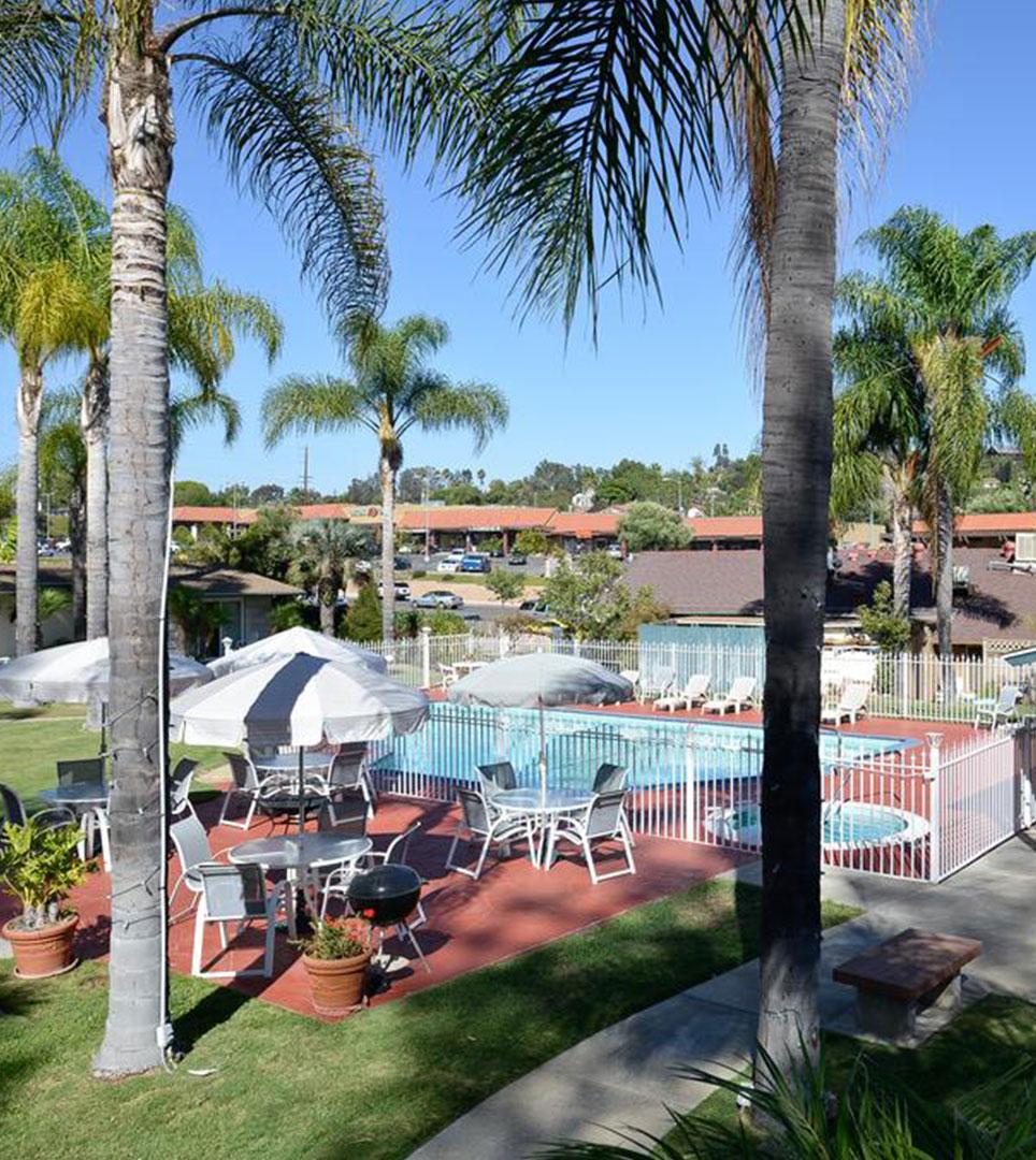Fallbrook Country Inn | BEST HOTEL in Fallbrook, CA