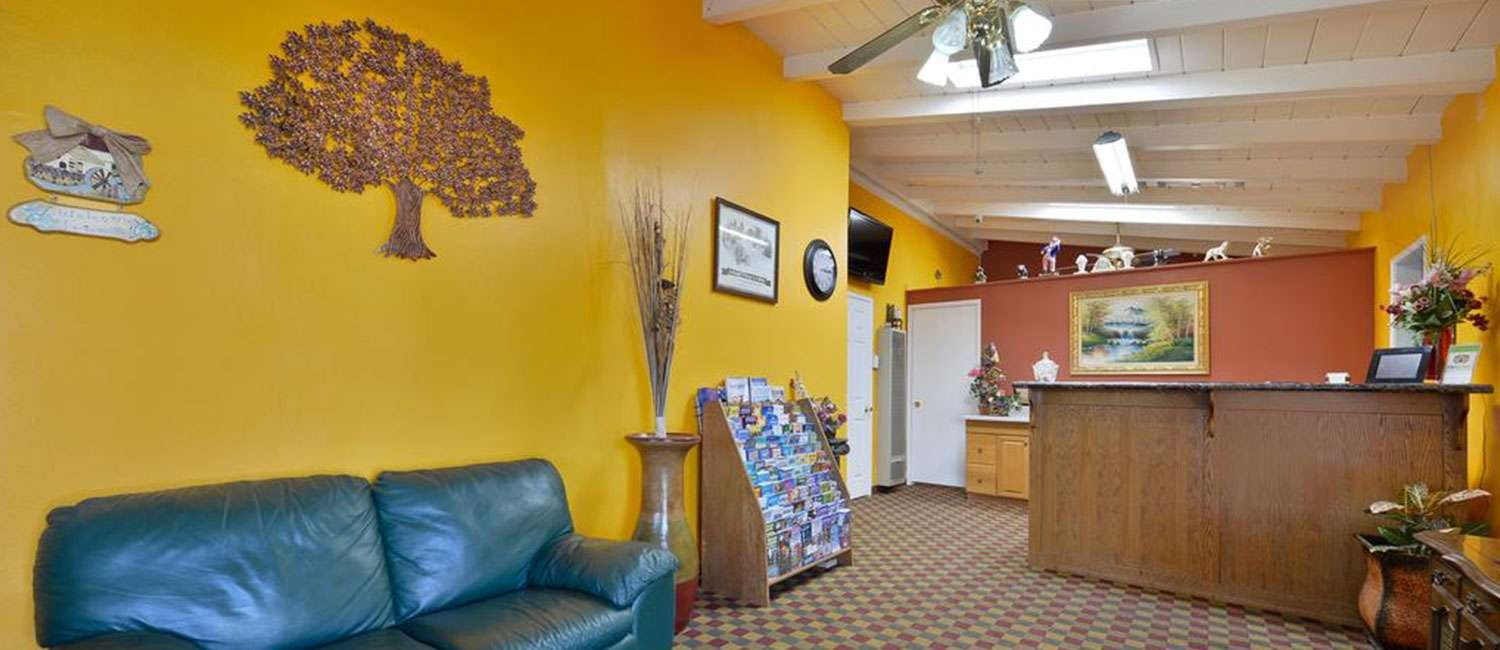 ENJOY THE AMENITIES AND SUPERIOR GUEST SERVICE AT OUR FALLBROOK, CA HOTEL
